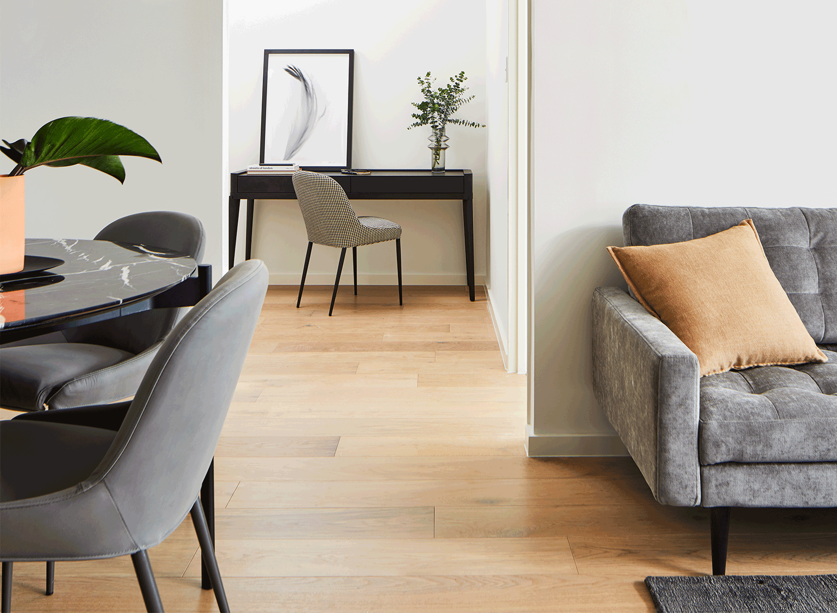 How to furnish small spaces